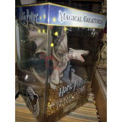 Harry Potter Magical Creatures nr. 5 Statue Ukrainian Ironbelly 19 cm    Harry Potter The Noble Collection Action Figure