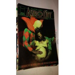 Kurt Busiek's Astro City 12    Homage Comics Varie (inglese)