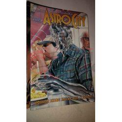 Kurt Busiek's Astro City 15    Homage Comics Varie (inglese)
